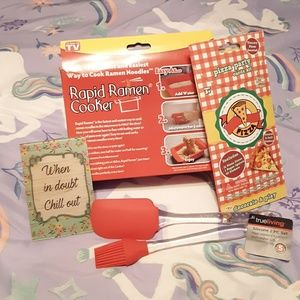Rapid Brands Kitchen - Rapid Ramen Cooker Pizza Party Pack Silicon NWT